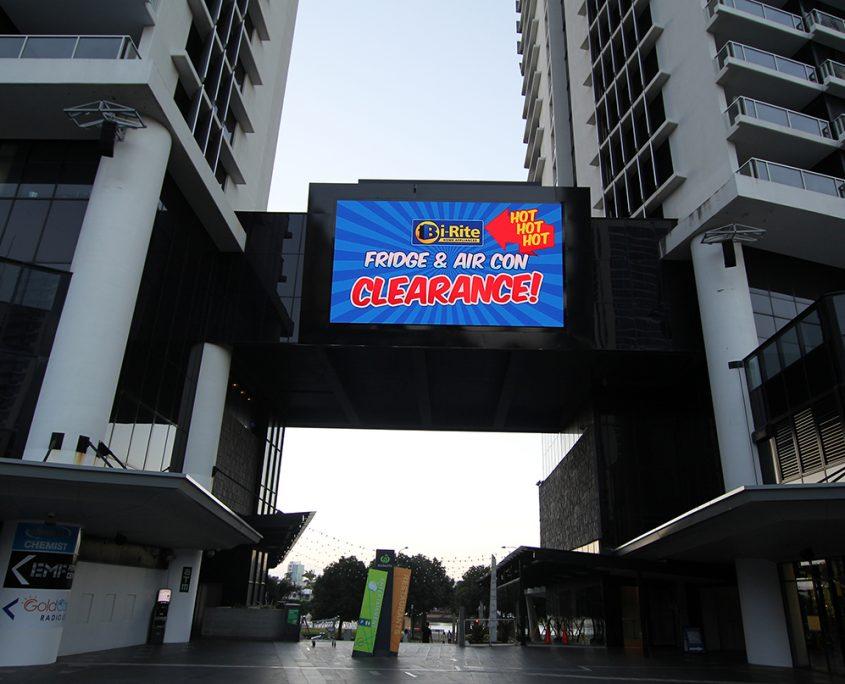 Circle on Cavill Big Screen LED Screen Outdoor Billboard Advertising Sign