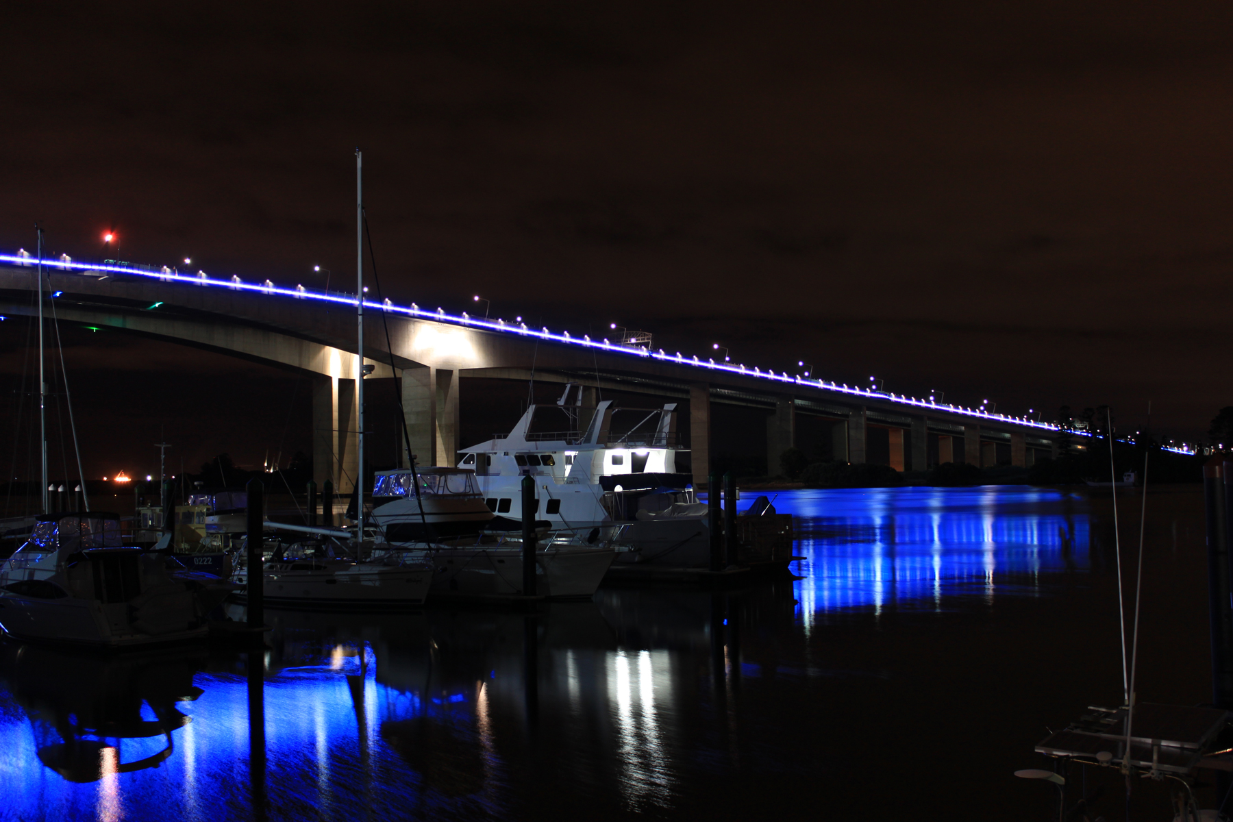 Sir Leo Gateway Bridge Custom LED Facade Architectural Lighting