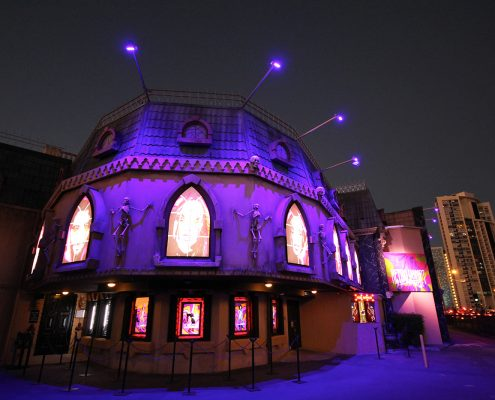 Draculas Cabaret Restaurant Gold Coast Building Facade Lighting and LED Screens