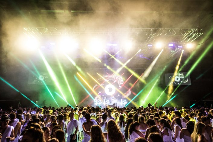 Toagegest Musical Festival Stage Lighting LED Spot Light Show and LED Big Screen