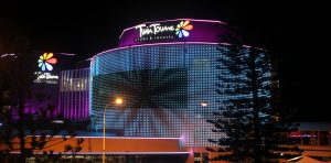 Twin Towns Clubs and Resorts Outdoor LED Building Facade Lighting and Curved LED Screen