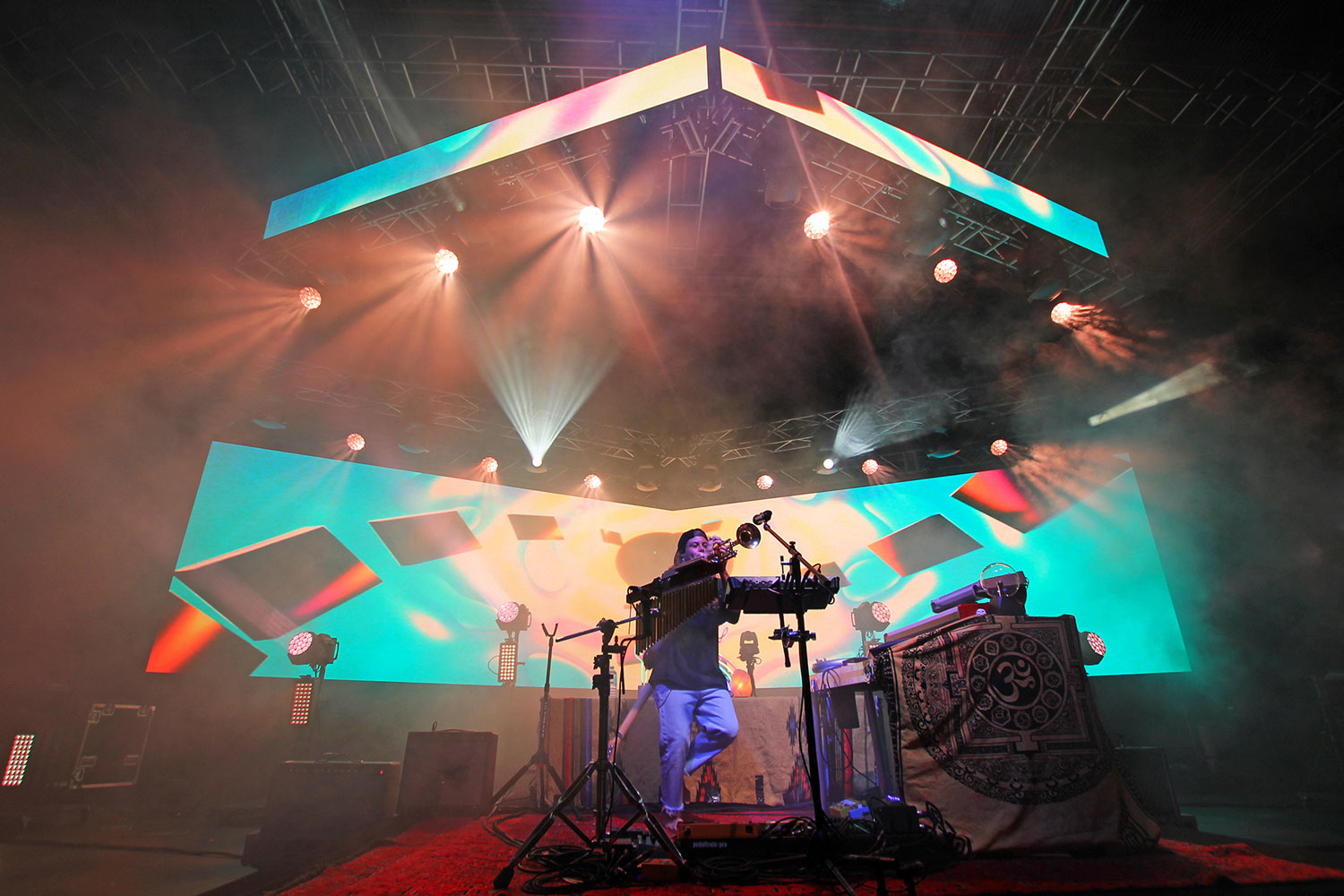 VuePix Infiled Immerses into a Flow for Tash Sultana | ULA Group